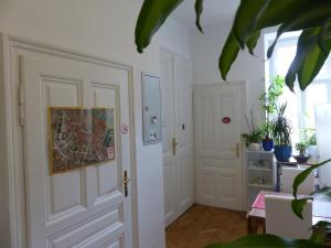 Stadtnest B&B Wien, Bed and breakfasts  Vienna - big - 37