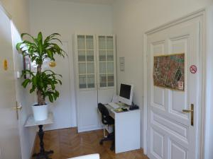 Stadtnest B&B Wien, Bed and breakfasts  Vienna - big - 39