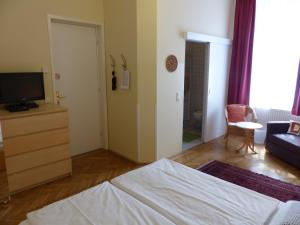 Stadtnest B&B Wien, Bed and breakfasts  Vienna - big - 42