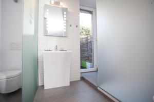 L'Esplanade Lille, Bed and breakfasts  Lille - big - 3