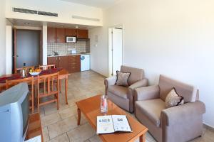 Panareti Coral Bay Resort, Üdülőtelepek  Korall-öböl - big - 23