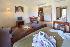 Panareti Coral Bay Resort, Üdülőtelepek  Korall-öböl - big - 3