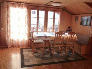 Ferienhaus Wang, Apartments  Beatenberg - big - 39