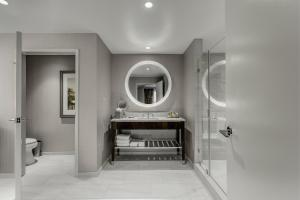 King Room with Walk-In Shower