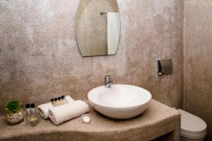 Olia Hotel, Hotels  Tourlos - big - 8