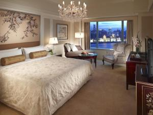 Deluxe Double Room with Full River View