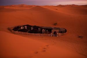 Marhaba Camp, Camel & Sandboarding, Luxury tents  Merzouga - big - 98