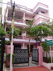 Spacious Rooms in Ganesh Colony