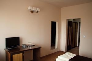 Hotel Hanul de la Rascruce, Hotely  Arad - big - 3