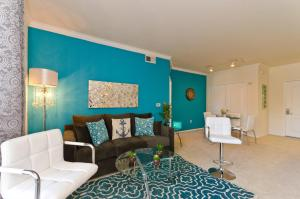 Downtown LA Mediterranean Resort Suite