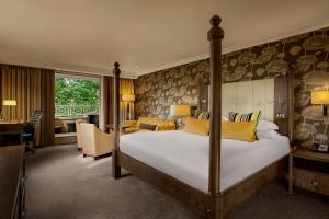 Apartament typu Suite z balkonem i łóżkiem z baldachimem