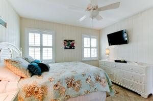 Beach Dream A Two Bedroom Condo-Downstairs, Apartmány  Holmes Beach - big - 12