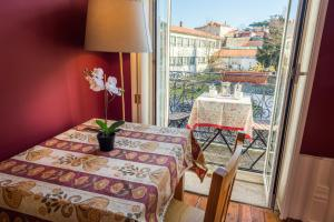 Centenary Fontainhas Apartments, Apartmány  Porto - big - 24
