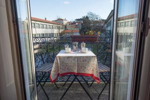 Centenary Fontainhas Apartments, Apartmány  Porto - big - 21