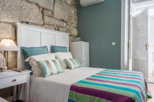 Centenary Fontainhas Apartments, Apartmány  Porto - big - 32