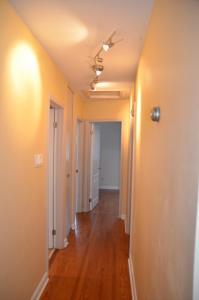 Scarborough East Spacious House, Nyaralók  Toronto - big - 12