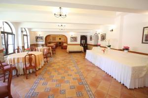 Hotel Ruia, Hotely  Poiana Brasov - big - 43