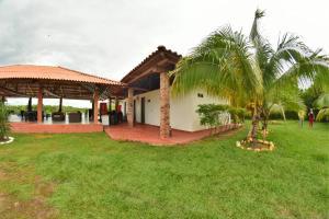 Hotel Campestre San Juan de los Llanos, Виллы  Yopal - big - 36