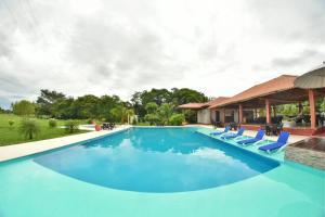 Hotel Campestre San Juan de los Llanos, Виллы  Yopal - big - 59