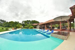Hotel Campestre San Juan de los Llanos, Виллы  Yopal - big - 60
