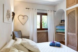 Villa Hortensia, Bed & Breakfast  Arzachena - big - 7
