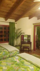 APPLE GREEN Room