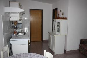 Apartmani Jarnečić, Appartamenti  Starigrad-Paklenica - big - 2