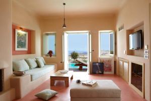 Voreina Gallery Suites (5 of 73)