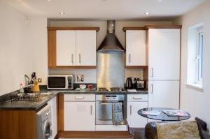 Modern Apartment - Copper Quarter, Апартаменты  Суонси - big - 13