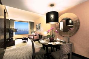 Executive King or Twin Suite with Harbour View