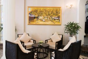 Hoa Binh Hotel, Hotels  Hanoi - big - 8