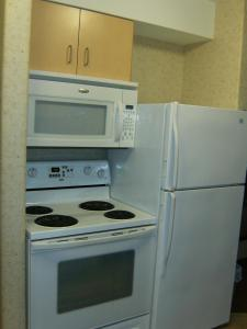 Family Suite with Kitchenette - Non-Smoking