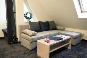 Single Room with Sofa bed and Shared Bathroom