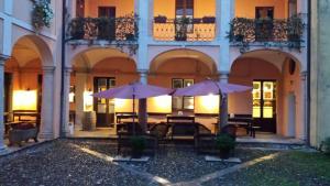 Archi e Colonne - AbcAlberghi.com