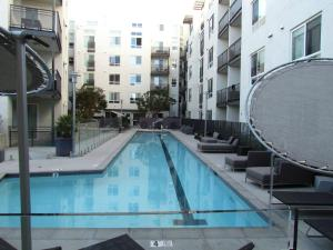 Great and Amazing Location in Miracle Mile