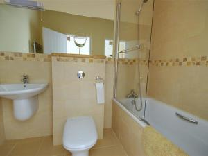 Holiday Home Hazel Cottage, Case vacanze  Berrynarbor - big - 7