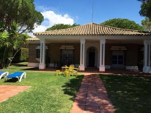 Chalet Villa España, Chalets  Roche - big - 7