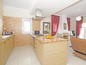Villa KPBWB15, Holiday homes  Paralimni - big - 18