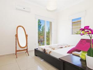 Villa KPBWB15, Holiday homes  Paralimni - big - 5