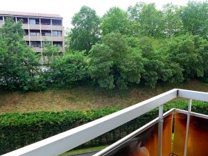 Apartment Valériane, Ferienwohnungen  Lahubiague - big - 5