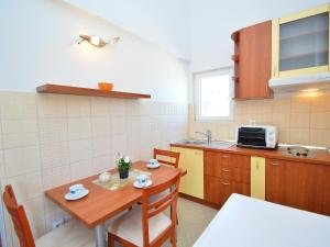 Apartment Naomi, Apartmány  Brodarica - big - 4