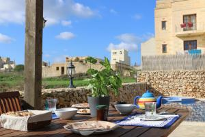 Gozo A Prescindere B&B, Bed and Breakfasts  Nadur - big - 90