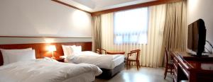 Crown Hotel, Hotely  Changwon - big - 18