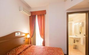 Excel Hotel Roma Ciampino, Hotely  Marino - big - 20