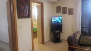 Holiday Home Raz, Appartamenti  Kefar Sava - big - 28