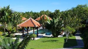 Bali Bule Homestay, Комплексы для отдыха с коттеджами/бунгало  Улувату - big - 12