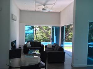 Villa Moderna 3, Sámara