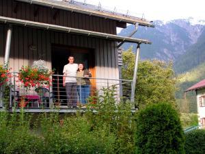 Wanderhotel Grüner Baum - Hotel - Bach