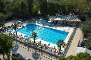 Hotel Beau Soleil, Отели  Чезенатико - big - 48