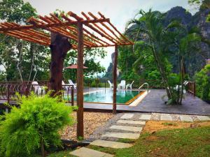 Heaven Hill Resort